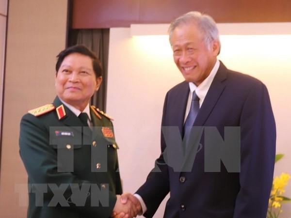 Vietnam robustece lazos en defensa con Nueva Zelanda, Reino Unido y Singapur hinh anh 1