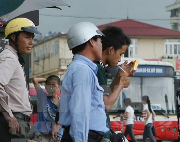 Proponen en Vietnam aumentar impuesto al cigarrillo para reducir el tabaquismo hinh anh 1