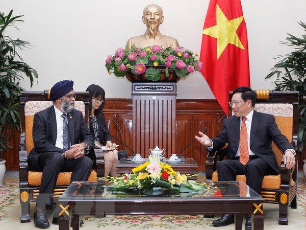Vietnam aspira a fortalecer relaciones con Canada hinh anh 1