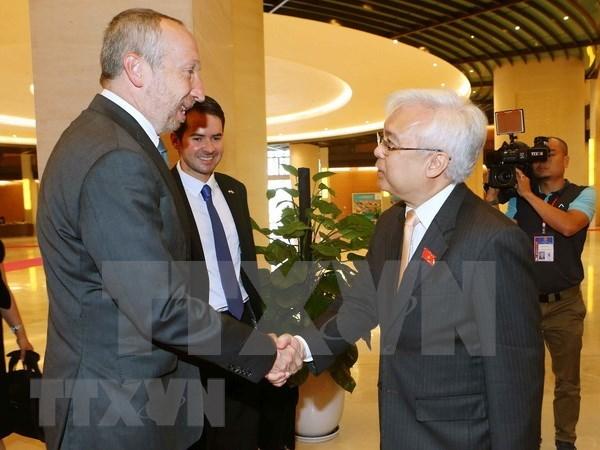 Vietnam y la Republica Checa fomentan colaboracion en educacion hinh anh 1
