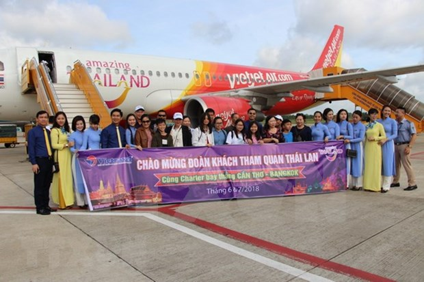 Inauguran ruta aerea directa entre ciudad vietnamita de Can Tho y Bangkok hinh anh 1