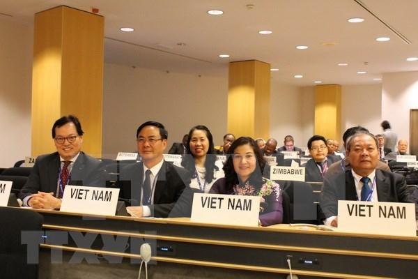 Vietnam garantiza derechos de trabajadoras, afirma viceministra hinh anh 1