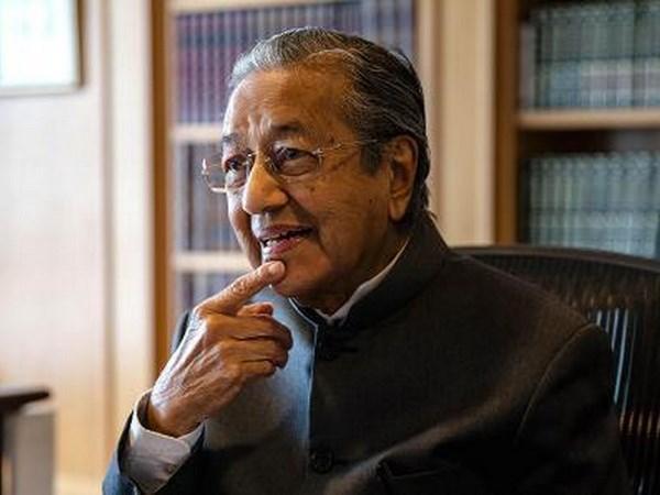 Primer ministro de Malasia aboga por revisar el CPTPP hinh anh 1