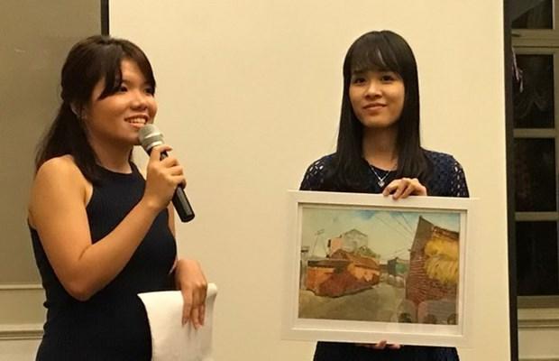 Centenares de estudiantes vietnamitas pobres reciben becas de connacionales en Singapur hinh anh 1