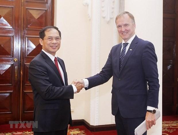 Letonia ratifica apoyo a la pronta firma de TLC entre Vietnam y UE hinh anh 1