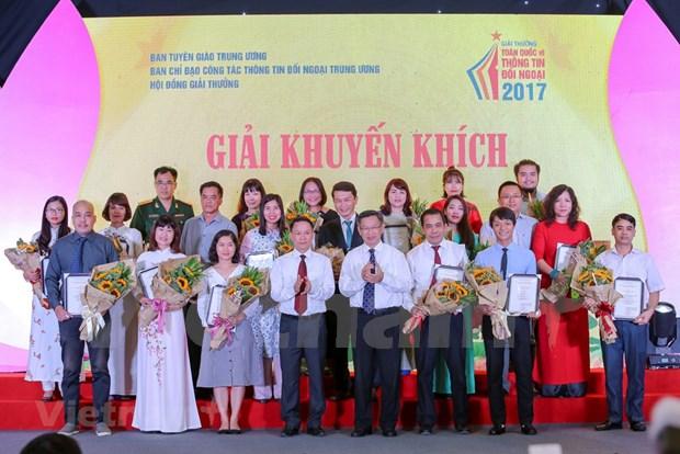 Casi 70 obras reciben premios de Informacion para el Exterior 2017 de Vietnam hinh anh 1