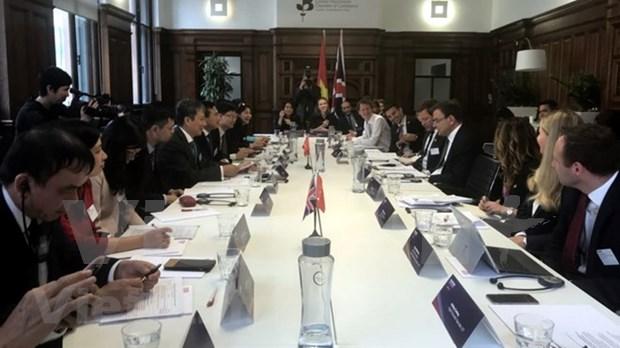 Vietnam y Reino Unido comprometidos a promover comercio bilateral hinh anh 1