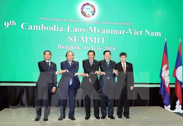 Premier de Vietnam sostiene reuniones bilaterales al margen de ACMECS y CLMV hinh anh 1