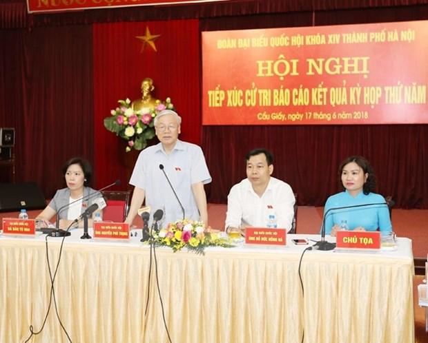 Maximo dirigente partidista dialoga con electores de Hanoi hinh anh 1