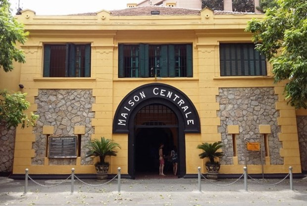 Prision Hoa Lo en Hanoi: de vestigio de guerra a destino turistico atractivo hinh anh 1