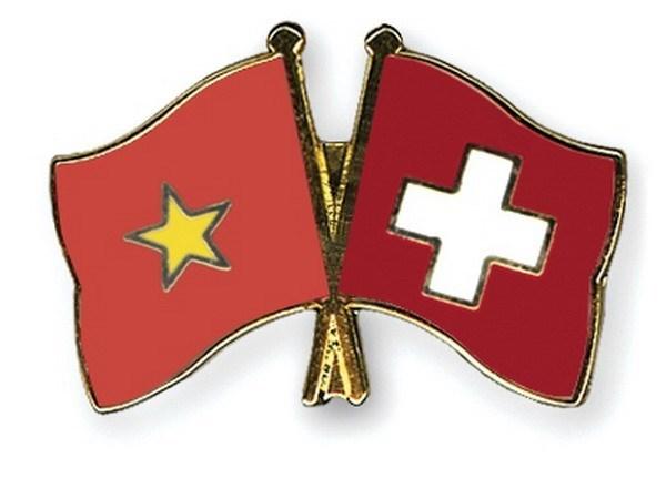 Asociacion Suiza-Vietnam revisa sus actividades en 2017-2018 hinh anh 1