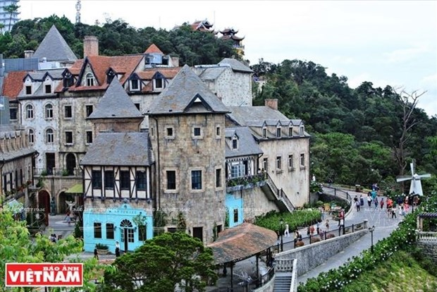 El turismo contribuye de forma notable al desarrollo economico de Da Nang hinh anh 1