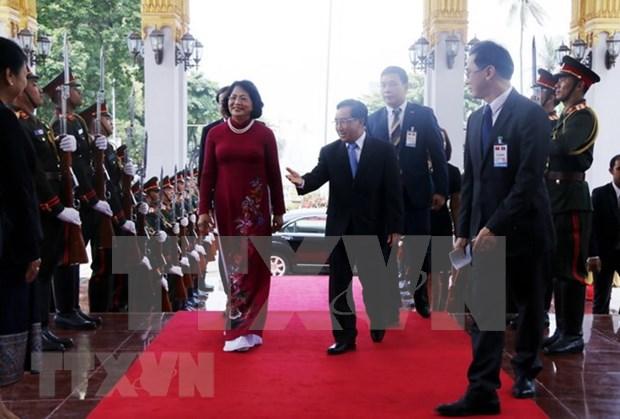 Vietnam y Laos comprometidos a fortalecer nexos bilaterales hinh anh 1