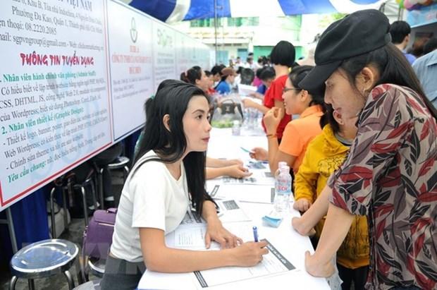 Vietnam genera 782 mil nuevos empleos en primer semestre de 2018 hinh anh 1
