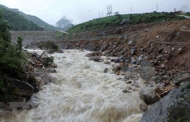 Al menos siete fallecidos por inundaciones en provincias norvietnamitas hinh anh 1