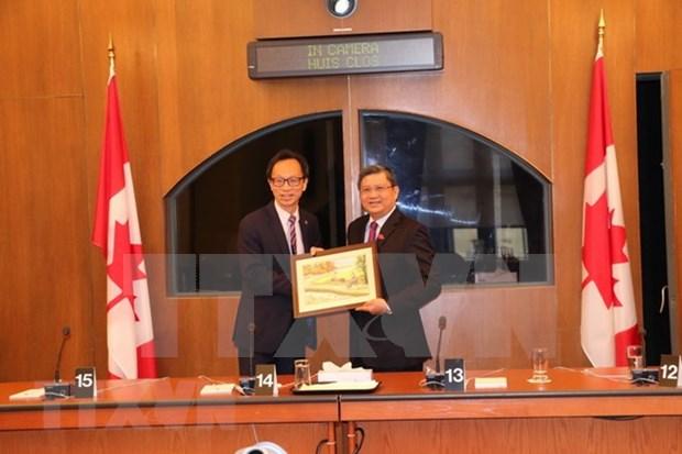 Vietnam y Canada promueven cooperacion legislativa e intercambian sobre CPTPP hinh anh 1