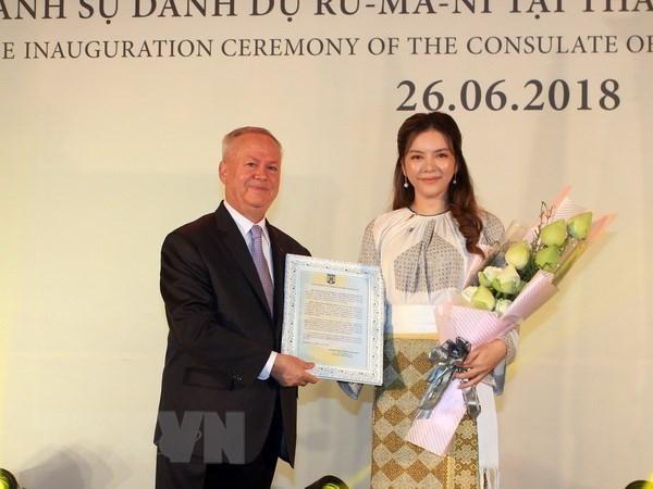 Artista vietnamita nombrada como consul honoraria de Rumania en Ciudad Ho Chi Minh hinh anh 1