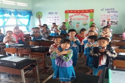 Fomentan seguridad del trafico en zonas proximas a escuelas vietnamitas hinh anh 1
