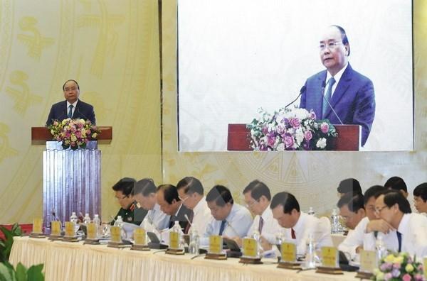 Premier vietnamita exhorta a aumentar el Producto Bruto Interno Regional hinh anh 1