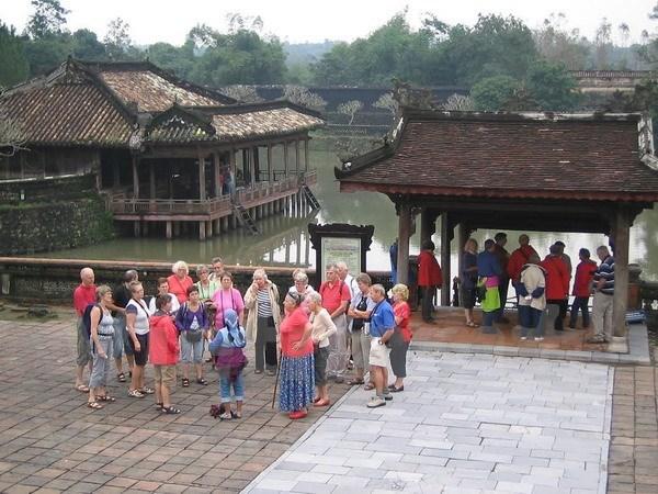Aplican tecnologias avanzadas para la preservacion de reliquias en provincia centrovietnamita hinh anh 1