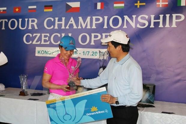 Vietnamitas residentes en Europa fomentan solidaridad mediante torneo de golf hinh anh 1