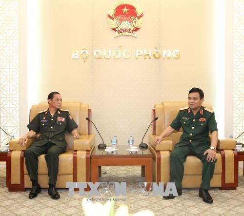 Vietnam dispuesto a enriquecer relaciones con Laos en defensa hinh anh 1