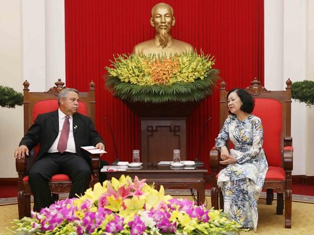 Vietnam reitera relaciones de amistad con Cuba hinh anh 1