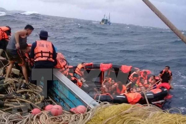 Tailandia: Hallan 13 cadaveres tras naufragio de barco en Phuket hinh anh 1