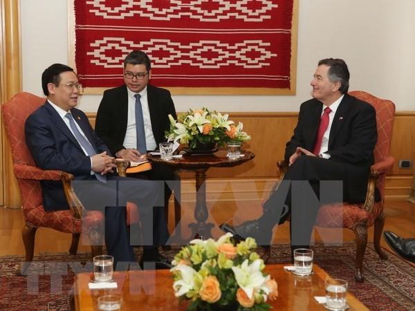Vicepremier de Vietnam concluye con exito visita a Chile hinh anh 1