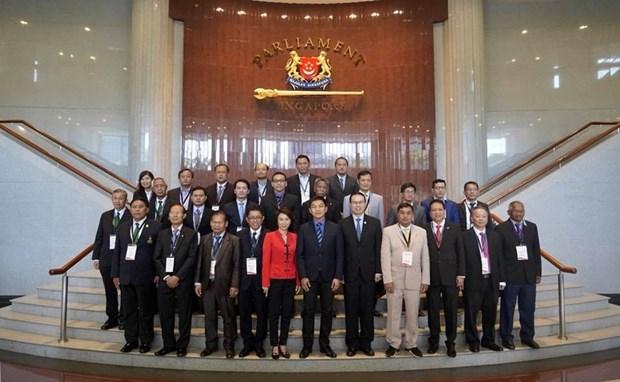 ASEAN firma Declaracion Singapur sobre entorno sostenible hinh anh 1