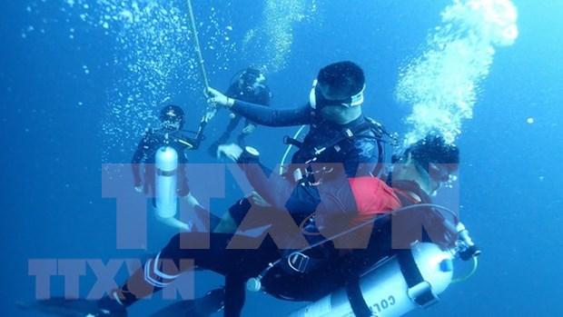 Tailandia remolcara el barco hundido en isla de Phuket hinh anh 1
