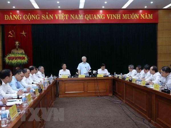 Secretario general del PCV intercambia con el Ministerio vietnamita de Industria y Comercio hinh anh 1