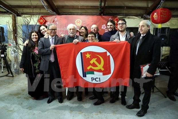 Partido Comunista de Vietnam aspira a fortalecer relaciones con su similar de Italia hinh anh 1
