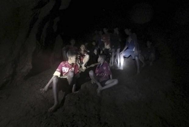 Lideres mundiales elogian milagroso rescate de equipo de futbol infantil de Tailandia hinh anh 1
