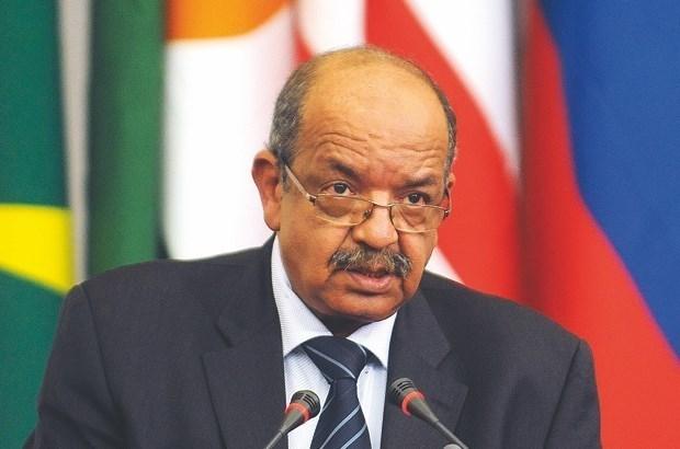 Canciller argelino respalda desarrollo de nexos con Vietnam hinh anh 1