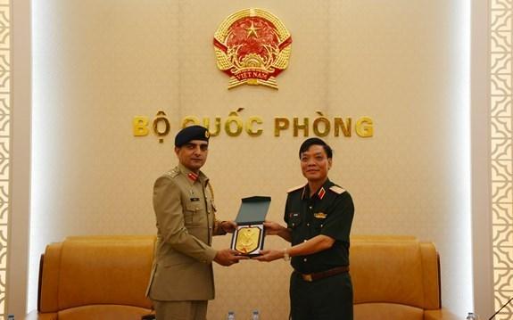 Vietnam y Pakistan promueven cooperacion en defensa hinh anh 1