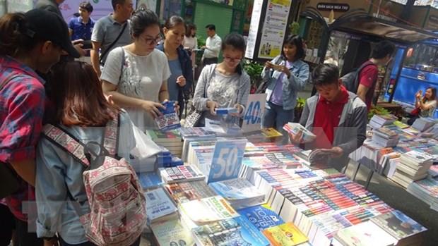 Calle de Libros en Ciudad Ho Chi Minh reporta aumento de ingresos en primer semestre hinh anh 1