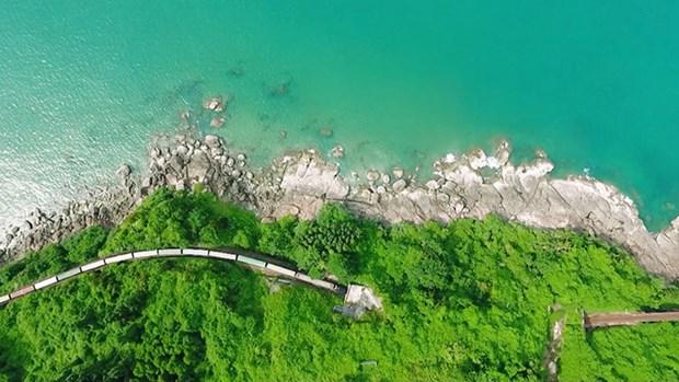 Ferrocarril transporta a telespectadores a experiencias culturales y turisticas en Vietnam hinh anh 1
