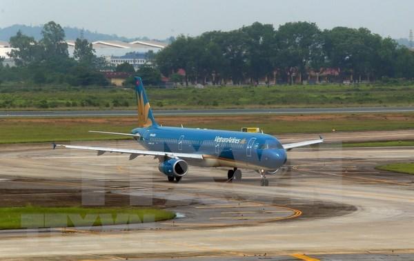 Cancelan vuelos a region central de Vietnam por afectaciones de tormenta Son Tinh hinh anh 1