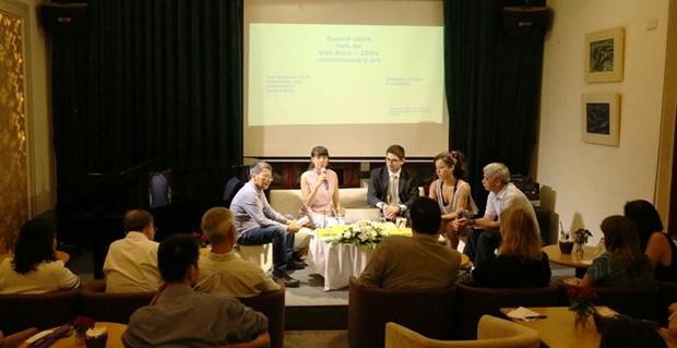 Artistas de Vietnam y Chile discuten en torno al arte contemporaneo hinh anh 1