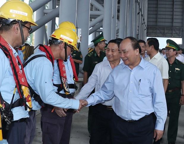 Premier de Vietnam reconoce esfuerzos de Formosa para resolver consecuencias de incidente ambiental hinh anh 1