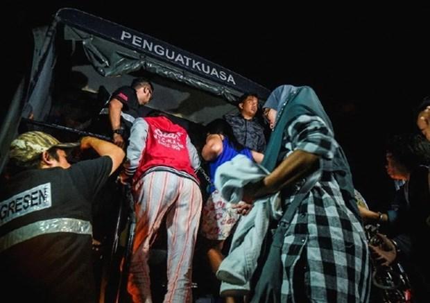Malasia refuerza redadas contra trabajadores extranjeros ilegales hinh anh 1