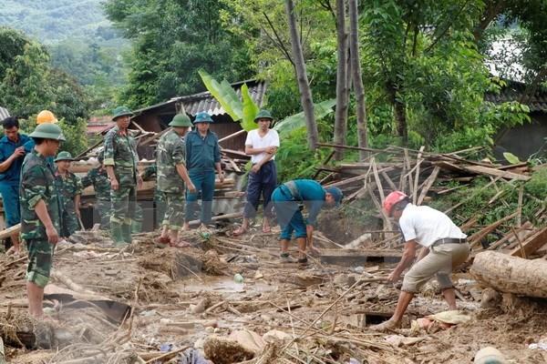 Al menos 11 muertos por inundaciones en provincia norvietnamita hinh anh 1