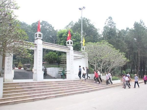 Rinden tributo a voluntarias caidas en encrucijada Dong Loc hinh anh 1