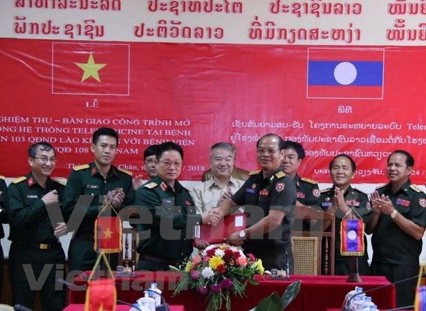 Hospital militar de Vietnam trasfiere sistema de telemedicina a similar laosiano hinh anh 1