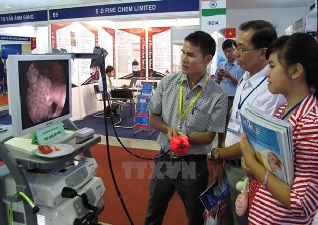 Mas de 90 por ciento de equipos medicos en Vietnam son importados hinh anh 1