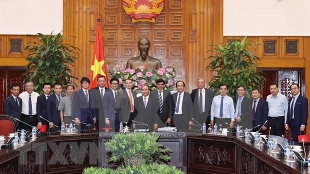 Premier de Vietnam recibe inversionistas interesados en proyecto de energia de Bac Lieu hinh anh 1