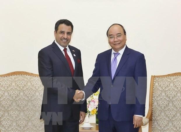 Premier de Vietnam reitera deseo de impulsar colaboracion con Emiratos Arabes Unidos hinh anh 1