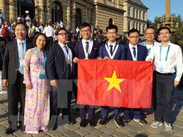 Vietnam cosecha medallas en Olimpiadas Internacionales de Fisica y Quimica hinh anh 1