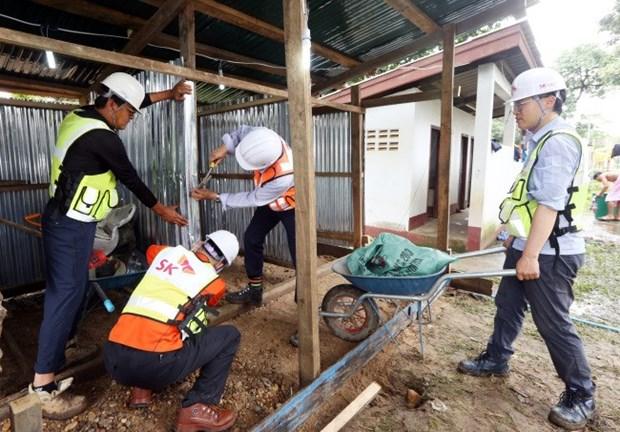 Empresa sudcoreana construira alojamientos para afectados por colapso de presa en Laos hinh anh 1